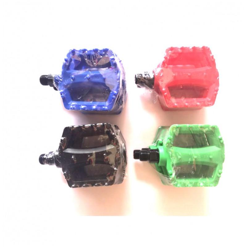 Педаль пластиковая ,модель 28 ,размер 9/16 ,для детских велосипедов