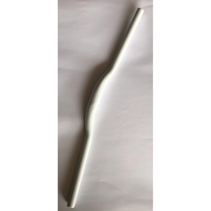 Руль МТВ ,алюминиевый ,длина 620 мм ,диаметр 31.8 ,белый