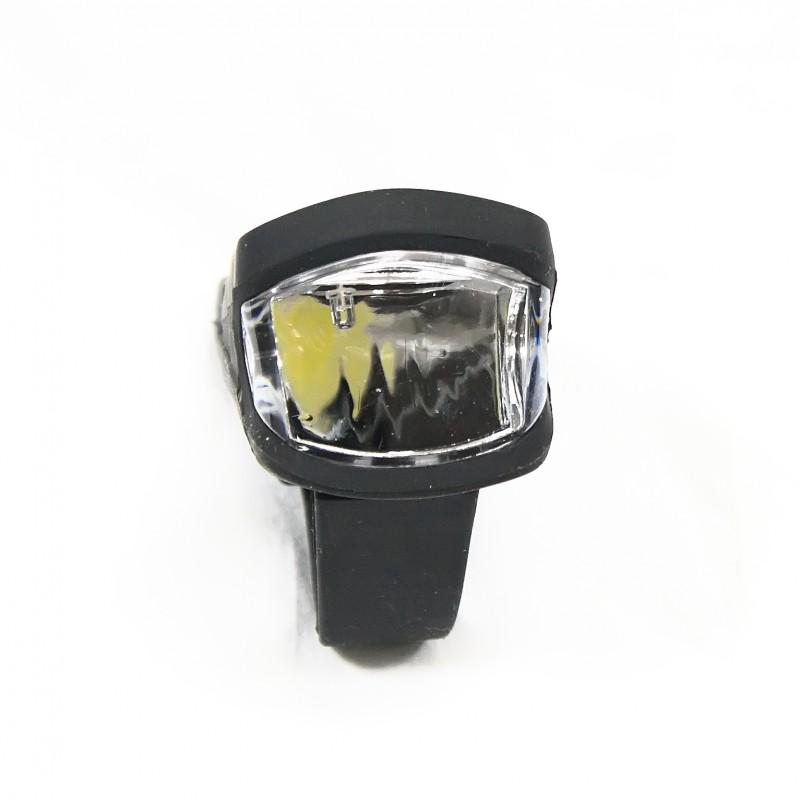 Фара с зарядкой под USB c силиконовый покрите , модель A250 (GA-68) , черный